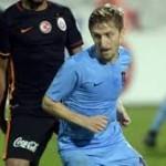 Marin Tak Masalahkan Jika Dibandingkan Dengan Messi